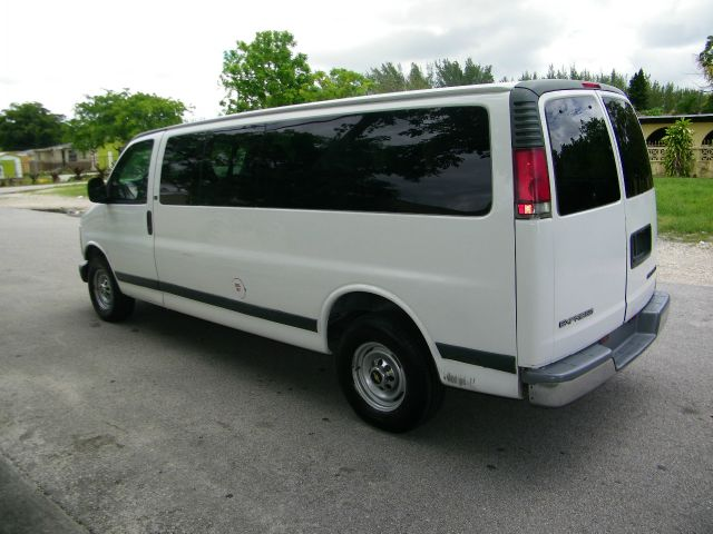 2001 Chevrolet Express Ls/5.3l/3rd ROW