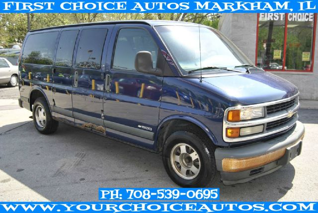 2002 Chevrolet Express 2WD Ext Cab Manual