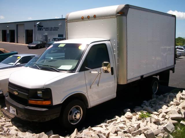 2003 Chevrolet Express Base