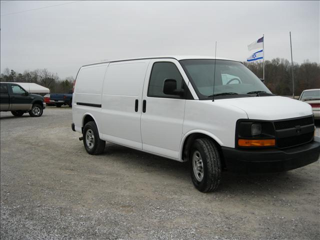 2006 Chevrolet Express Base