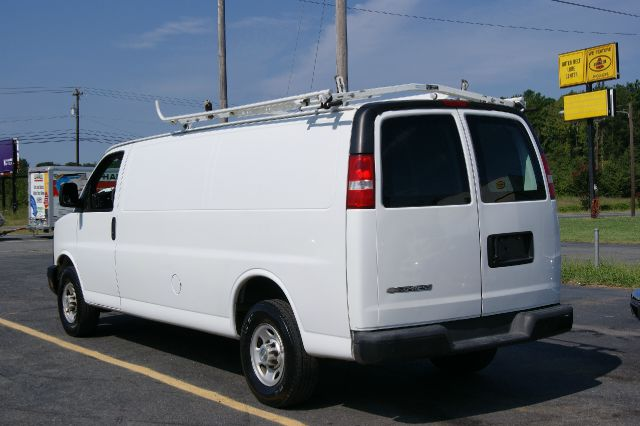2007 Chevrolet Express Limited 4WD One Owner Leather