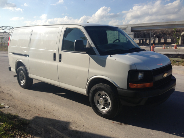 2010 Chevrolet Express Coupe 4D