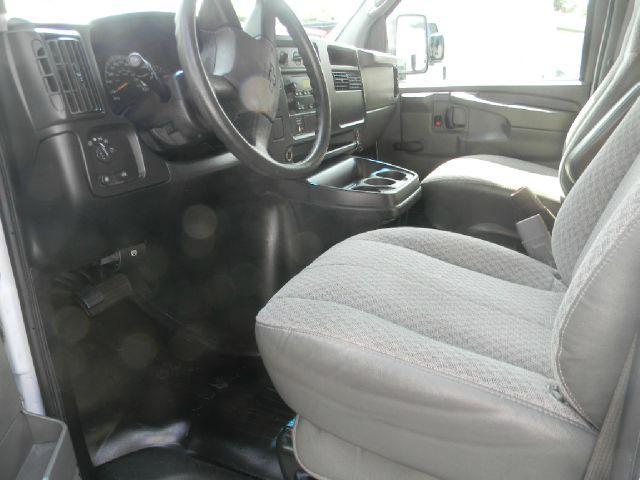 2006 Chevrolet Express Cutaway