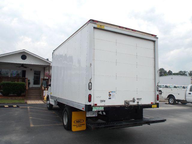 2012 Chevrolet Express Cutaway Crewcab 4X4 Kingranch
