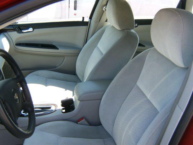 2013 Chevrolet Impala 2dr Reg Cab 140.5 4WD ST