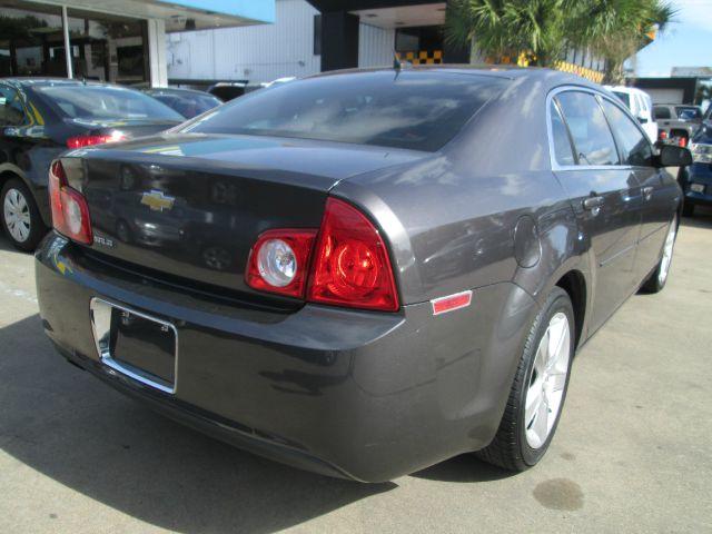 2010 Chevrolet Malibu LS NICE