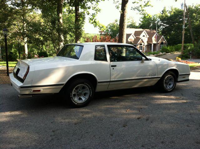 1983 Chevrolet Monte Carlo 4dr Sdn Auto (natl) Hatchback