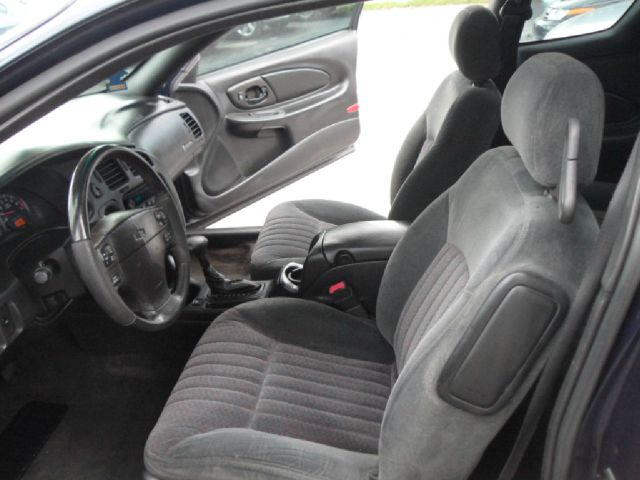 2001 Chevrolet Monte Carlo 4dr Sdn Auto (natl) Hatchback