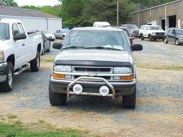 Clayton Auto Sales Photos Reviews 4221 N Patterson Ave