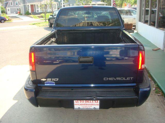 2000 Chevrolet S10 4dr Sdn Auto GLS w/XM