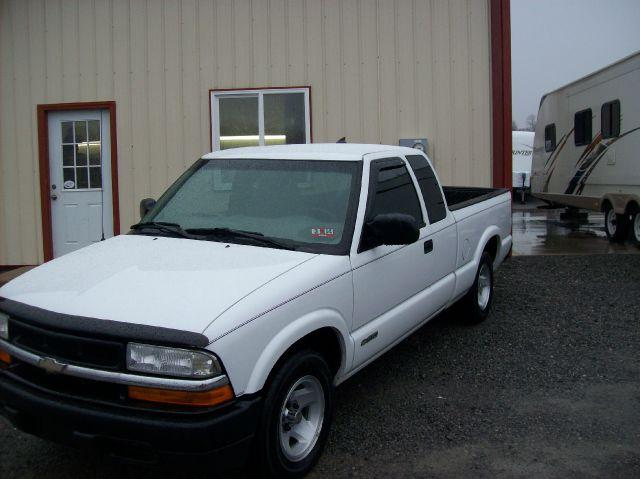 2001 Chevrolet S10 4dr Sdn Auto GLS w/XM