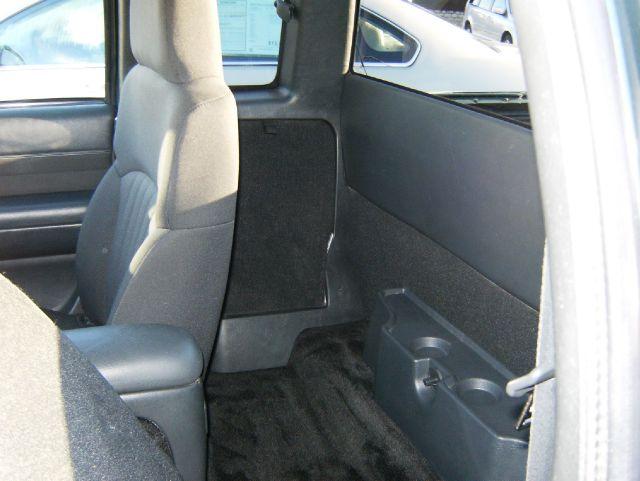 2003 Chevrolet S10 Handicap Lift And Control Leg 1 Owner