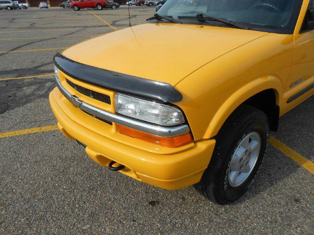 2003 Chevrolet S10 C300 Luxury Sedan 4D