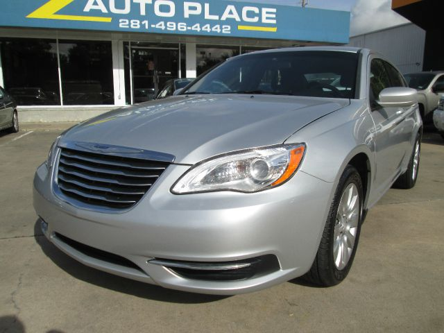 2012 Chrysler 200 LS Flex Fuel 4x4 This Is One Of Our Best Bargains