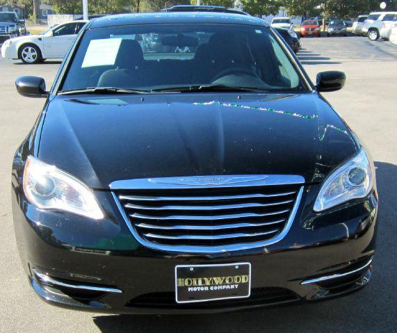 2012 Chrysler 200 Elk Conversion Van Details. Saint Louis