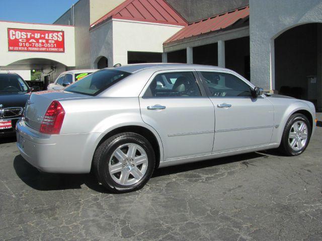 2005 Chrysler 300 C1500 Scottsdale
