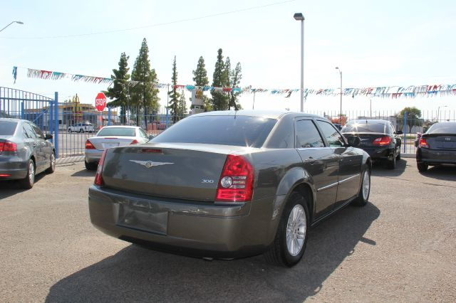 2008 Chrysler 300 Elk Conversion Van