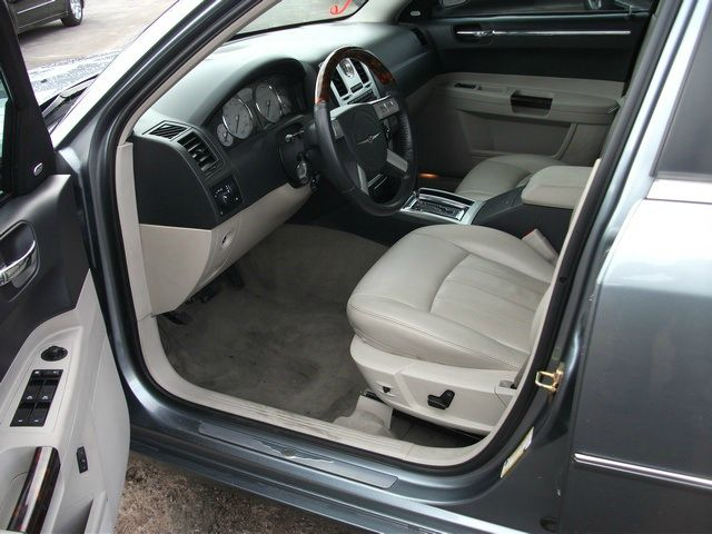 2006 Chrysler 300C Regular Cab