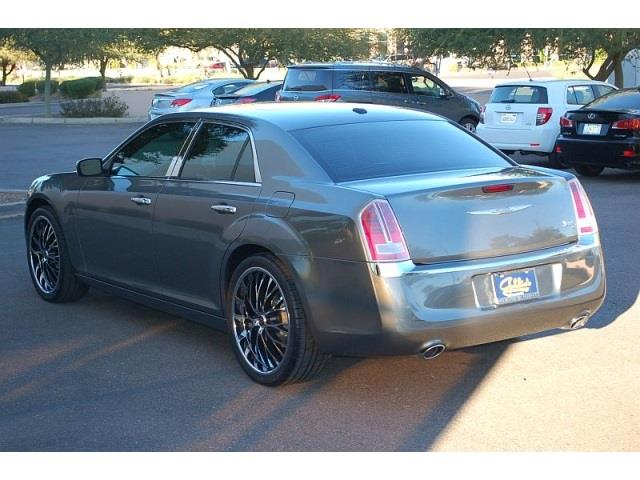 2011 Chrysler 300C Regular Cab