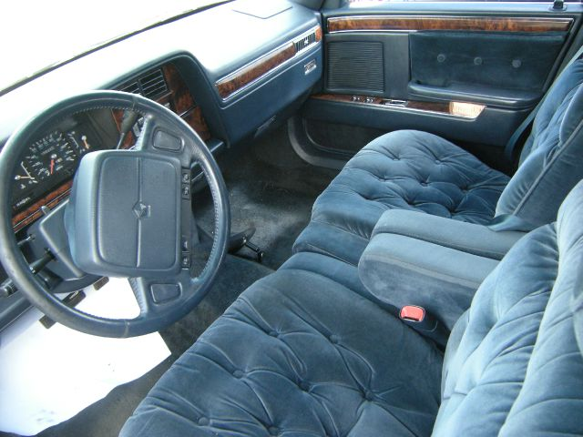 1993 Chrysler New Yorker Base