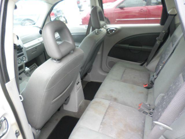 2006 Chrysler PT Cruiser 29