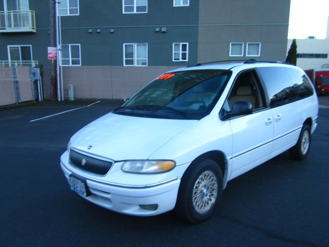 1997 Chrysler Town and Country H6 L.L. Bean
