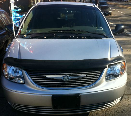 2002 Chrysler Town And Country Open-top Details. BRONX, NY