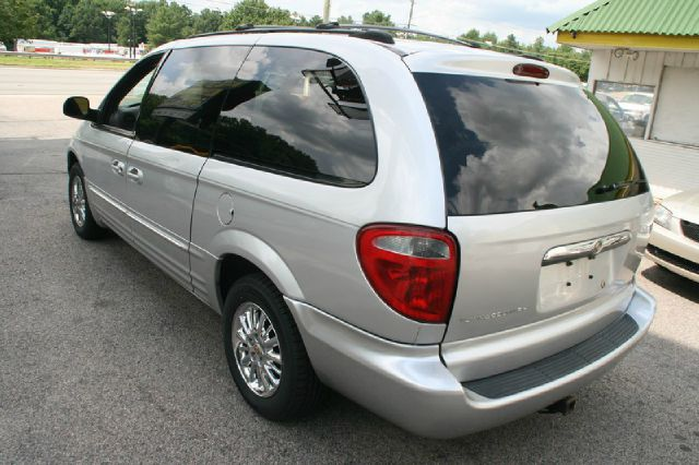 2002 Chrysler Town and Country S Sedan Under FULL Factory Warranty
