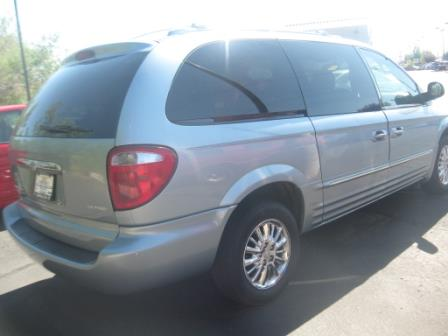 2003 Chrysler Town and Country SLT 25