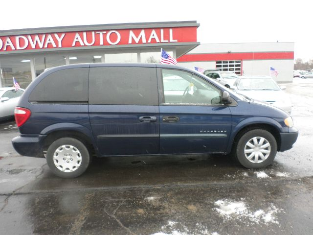 2004 Chrysler Town and Country Elk Conversion Van