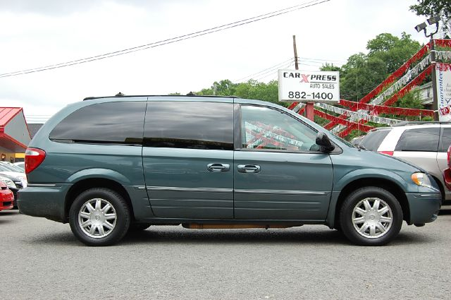 2005 chrysler town and country touring details pittsburgh pa 15210. Cars Review. Best American Auto & Cars Review