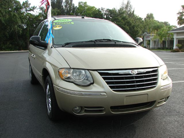 2005 chrysler town and country limited details palm harbor fl 34683. Cars Review. Best American Auto & Cars Review