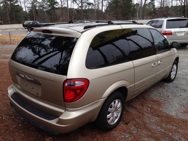 2005 Chrysler Town and Country 3.5