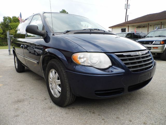2005 chrysler town and country touring details cleveland tx 77327. Black Bedroom Furniture Sets. Home Design Ideas