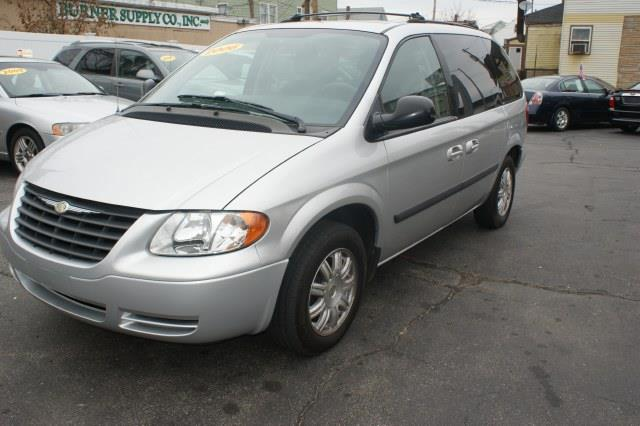 2006 Chrysler Town and Country Laranie