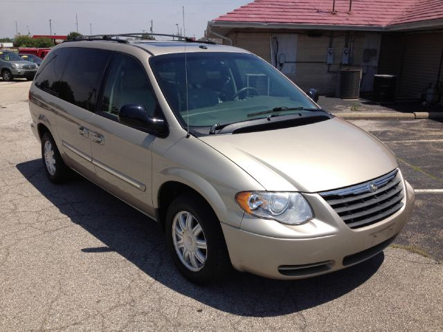 2006 chrysler town and country touring details miami fl 46052. Cars Review. Best American Auto & Cars Review