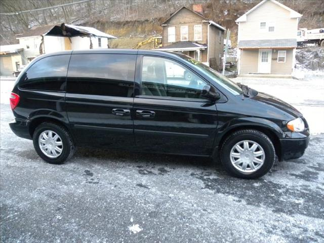 2006 chrysler town and country van details brownsville. Black Bedroom Furniture Sets. Home Design Ideas