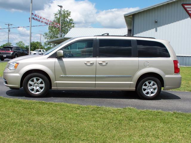 2013 chrysler town and country 4dr wgn touring details keokuk ia. Cars Review. Best American Auto & Cars Review