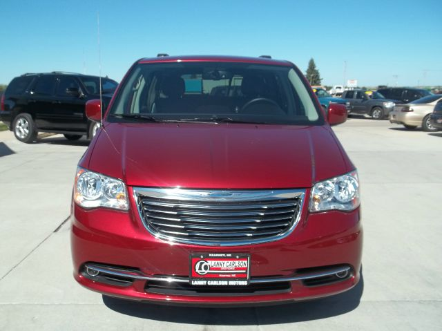 chrysler town and country. Black Bedroom Furniture Sets. Home Design Ideas