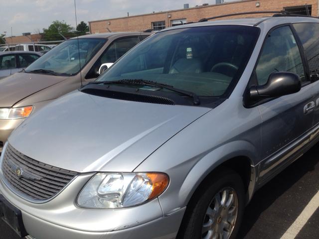 2001 Chrysler Town & Country S Sedan Under FULL Factory Warranty