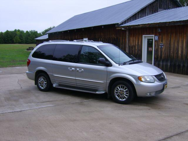 used chrysler town and country limited 2002 details buy used chrysler town and country limited. Black Bedroom Furniture Sets. Home Design Ideas