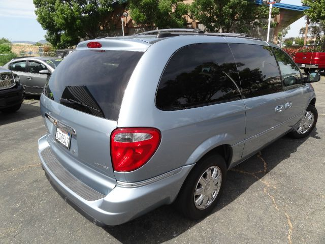 2006 Chrysler Town and Country 4dr 2.5L Turbo W/sunroof/3rd Row AWD SUV