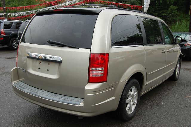 2008 Chrysler Town and Country Lariat Crew Diesel 4x4