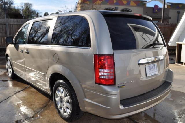 2009 Chrysler Town and Country Elk Conversion Van