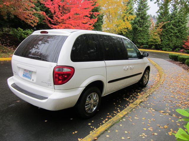 2002 Chrysler Voyager Elk Conversion Van