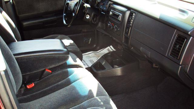 2001 Dodge Dakota 2WD Regular Cab 6.3 Ft Box ST