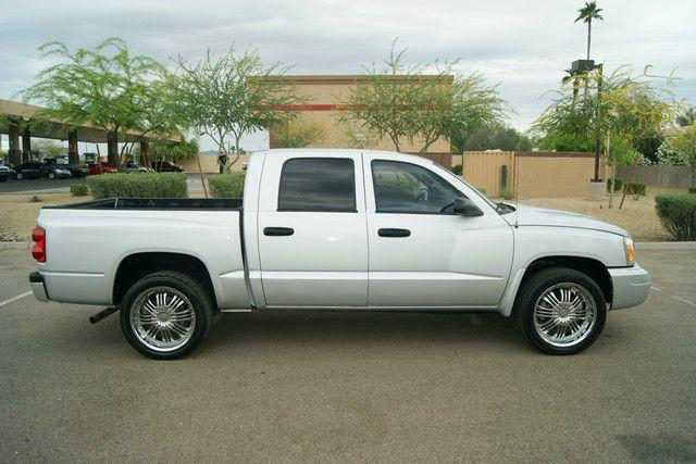 2006 Dodge Dakota LS ES