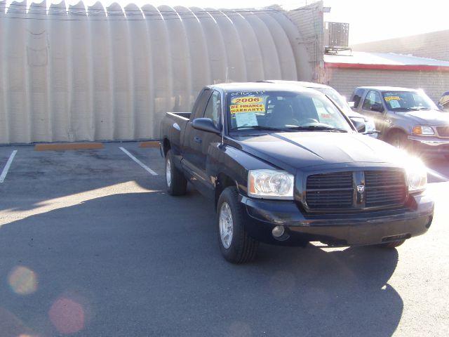2006 Dodge Dakota SLT 4-door 4WD