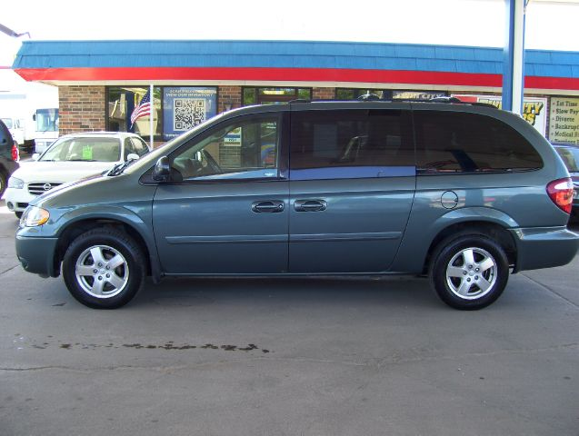2006 dodge grand caravan sxt details grand forks nd 58201. Cars Review. Best American Auto & Cars Review