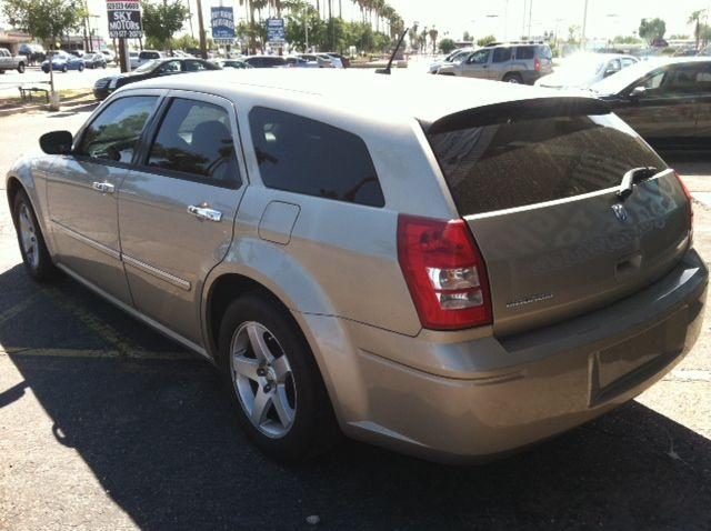2008 Dodge Magnum S